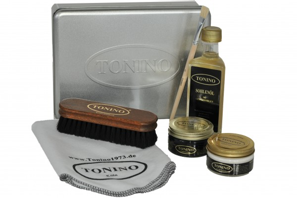 Emulsion shoe care set